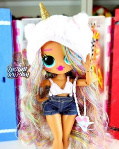 Lol Dolls, Barbie Dolls, Cute Gift Wrapping Ideas, Bratz Doll Makeup, Barbie Images, Ariana Grande Outfits, Rainbow Beach, Unicorn Doll, Toy House