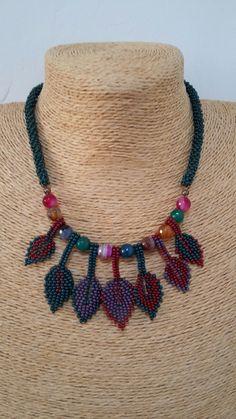 Diy Jewelry, Beaded Jewelry, Handmade Jewelry, Beaded Necklace, Jewelry Design, Jewelry Making, Weaving Designs, Beaded Crafts, Bib Necklaces