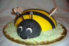 """Fun """"Bee"""" cake"""