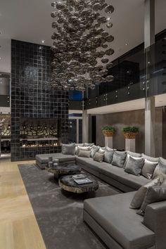 Der Besitzer Dieser Luxus Villa In Rotterdam Beauftragte Den  Niederländischen Innenarchitekten Robert Kolenik Mit Der Verantwortlichen  Aufgabe, Das Haus