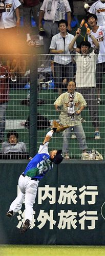 Masato Kumashiro makes a sensational, leaping grab in right-center field to rob Jose Fernandez of an extra-base hit and then immediately fires the ball back to the cut-off man to start a rare 9-4-6-3 triple play in the top of the 6th inning in order to preserve the Lions' 3-1 lead at Seibu Dome on Friday, August 17, 2012 in Seibu Railway 100th Anniversary Series.