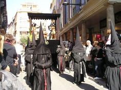 Semaine Sainte Perpignan guide touristique des Pyrénées-Orientales Languedoc-Roussillon