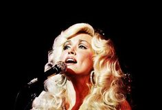 Dolly Parton onstage, Makes me think of my grandma :)/ Yes, sweetie! Your grandma, my mom :) Dolly Parton 1970, Dolly Parton Young, Pretty People, Beautiful People, Look 2017, Thing 1, Celebs, Celebrities, Up Girl