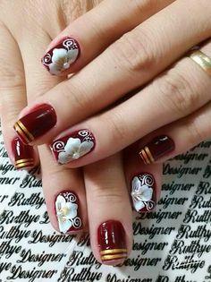 Unha diferente de Rutthye Designer. Different nail. Unã diferente. Unghie different.