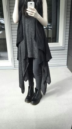 # Wearable Witch Style Inspiration Album According to my calculations, it's been about four months since the last witch themed inspo album. Hipster Grunge, Grunge Style, Soft Grunge, Witch Fashion, Gothic Fashion, Looks Style, Style Me, Outfit Instagram, Mode Mori