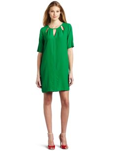 love this green Beautiful Outfits, Cute Outfits, Beautiful Clothes, Fringe Booties, Cool Style, My Style, Dresses For Work, Summer Dresses, Bcbgmaxazria Dresses