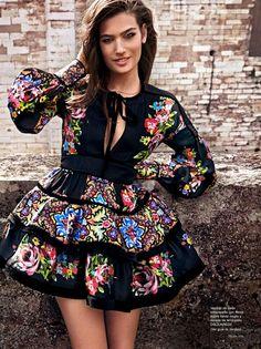 "Duchess Dior: ""Modern Marie Antoinette"" Alma Jodorowsky for Telva Spain July 2015 Hippie boho chic gypsy spirit Mexican Inspired Dress, Mexican Style Dresses, Mexican Outfit, Mexican Clothing, Fashion Moda, Look Fashion, Fashion Design, Vestido Charro, Pretty Outfits"