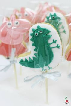 Peppa Pig & Mr. Dinosaur Cookie Pops Kids can learn to share with their friends.