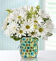 A fresh look with daisies and vase