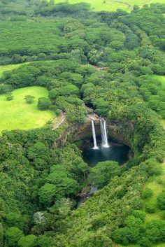 Wailua Falls, island of Kauai, Hawaii