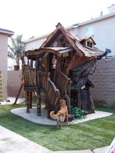 Crooked Tree House Design For Fun Children. A unique tree house is a house made of a tree with a unique house design. The tree … Cool Dog Houses, Play Houses, Best Tree Houses, Rustic Dog Houses, Cool Tree Houses For Kids, Bird Houses, Crooked Tree, Tree House Designs, House Yard Design