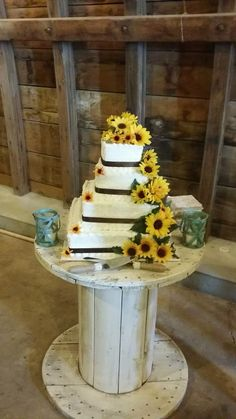 affordable wedding cakes dallas 1000 ideas about sunflower wedding cakes on 10554