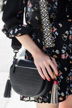 Sành điệu với túi Rebecca Minkoff màu đen quyến rũ