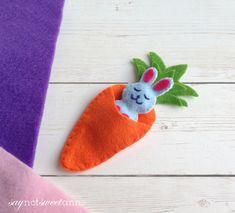 http://saynotsweetanne.com/2018/beyond-adorable-felt-happy-bunny-how-to/