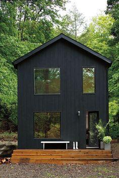 Benjamin Moore + black exterior paint + home + dream house + go dark Exterior Paint Colors, Exterior House Colors, Exterior Design, Exterior Stain, Paint Colours, Ideas Cabaña, Haus Am See, Black House Exterior, Dark House