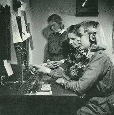 Lotta Svärd Yhdistys - Small-Lottas operating a Telephone Switchboard