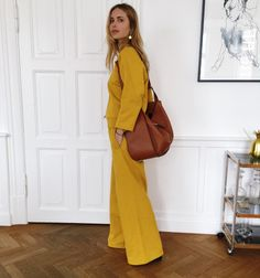 There's no better time to rock a bold, bright outfit then in the summer. We've rounded up six colourful looks are sure to make a statement. Beige Outfit, Cool Outfits, Summer Outfits, Madewell, Look 2018, Looks Chic, Inspiration Mode, Mellow Yellow, Yellow Suit
