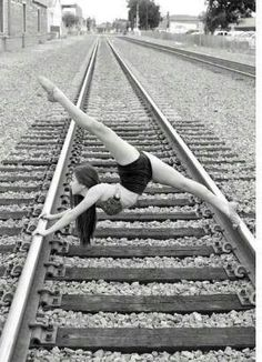 Acrobatics on the tracks