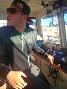 Am I driving this boat? Nba Players, Basketball Players, Blake Griffin, Celebrity Couples, Pretty Boys, Hot Guys, Beautiful People, Husband, Celebs
