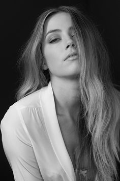Let's all just take a moment to appreciate that Amber Heard is the most beautiful woman in the universe.