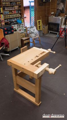 Lake Erie Toolworks Demo Bench built by Domidrewno - Picture 44 Woodworking Bench Plans, Woodworking Hand Tools, Woodworking Projects That Sell, Wood Tools, Woodworking Workshop, Woodworking Crafts, Woodworking Techniques, Woodworking Quotes, Woodworking Furniture