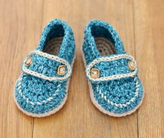CROCHET PATTERN Baby Shoes - cute little Baby Boy Loafers - classic and timeless - Quick and Easy to make, these neat little crochet baby shoes will be perfect for boys AND for girls. A simple crochet pattern for nice, simple loafer shoes - fully illustrated with color photos