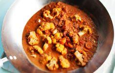 Kukkakaalipata Lentil Recipes, Vegan Recipes, Tasty, Yummy Food, Monkey Bread, Lentils, Curry, Veggies, Soup