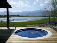 Brilliant 23 Awesome Round Pools Ideas To Enjoy The Summer Do you plan to make a swimming pool? What if you make a round pool? Maybe more comfortable than other forms right? In addition, if you have a swimming. Wood Pool Deck, Pool Decks, Pool Spa, Large Backyard, Backyard Patio, Inground Hot Tub, Swimming Pool Maintenance, Plunge Pool, Summer Pool