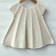 Dress Patterns For Little Girls Tunics Girls Knitted Dress, Knit Baby Dress, Knitted Baby Clothes, Knit For Baby, Baby Cardigan, Knitting For Kids, Baby Knitting Patterns, Free Knitting, Baby Blanket Crochet