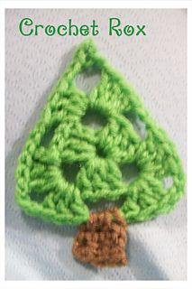 Please, click favorite if you like it!! I'm going to activate it as a free ravelry download if there is interest in it. Christmas Tree Ornament