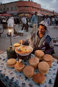 Street Food in Morocco (Steve McCurry) Marrakech Travel, Marrakech Morocco, Morocco Travel, Visit Marrakech, Paises Da Africa, North Africa, Casablanca, People Around The World, Around The Worlds