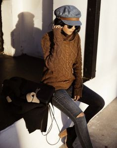What to Wear This Weekend: Cable Knit Sweater, Ripped Gray Skinny Jeans, Black Ankle Boot, Newsboy Hat