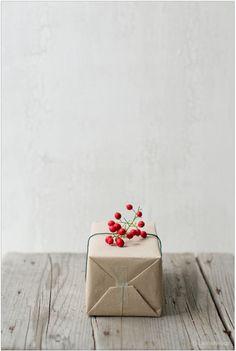 Cute kraft parcel gift wrap