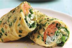 If you're looking for healthy lunch ideas, try this high protein and low carb salmon egg wrap. Breakfast Wraps, Paleo Breakfast, Breakfast Recipes, Egg Recipes, Cooking Recipes, Healthy Recipes, Salmon Recipes, Egg Wrap, Clean Eating