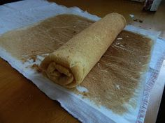 Bucataria casei noastre: Tort coronita ( din rulada cu dulceata de capsuni si crema de branza) Ethnic Recipes, Food, Essen, Meals, Yemek, Eten