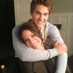 Holly Marie Combs (Ella Montgomery) and Cody Christian (Mike Montgomery) on the set of Pretty Little Liars. #PLL