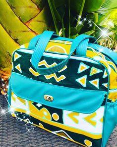 Marie créations sur Instagram: Il y a 2 ans … Commande sac à langer et sa serviette en pochette qui se glisse à l'intérieur. Deux poches élastiques sur les côtés…