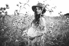 About pregnancy after age 35 - How to get Pregnant Maternity Photography Poses, Maternity Poses, Maternity Portraits, Maternity Pictures, Pregnancy Photos, Photography Photos, Pregnancy Style, Pregnancy Fashion, Bohemian Maternity Photos