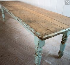 Vintage Farmhouse Table from Rachel Ashwell Shabby Chic Couture.have to have a big ol farmhouse table on our new patio Vintage Farmhouse, Shabby Chic Farmhouse, Shabby Chic Kitchen, Farmhouse Interior, Shabby Chic Homes, Shabby Chic Decor, French Farmhouse, French Country, Country Farm