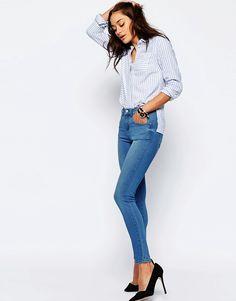 """Immagine 4 di ASOS """"SCULPT ME"""" Premium - Jeans lavaggio Kelly blu acceso"""