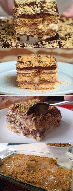 UMA DELICIA DE SOBREMESA!!PAVÊ DE PAÇOCA COM CHOCOLATE VEJA AQUI>>>Em uma panela coloque o leite condensado, o leite, as gemas e o amido de milho. Com o fogo desligado, misture tudo muito bem pra dissolver o amido e diluir as gemas nos outros líquidos. #receita#bolo#torta#doce#sobremesa#aniversario#pudim#mousse#pave#Cheesecake#chocolate#confeitaria