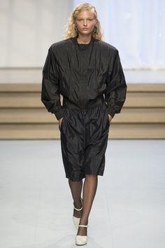 Jil Sander Spring 2017 Ready-to-Wear Fashion Show - Frederikke Sofie