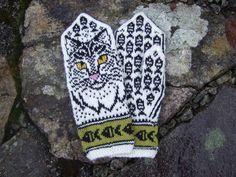 Ravelry: Cat Portrait pattern by Natalia Moreva Mittens Pattern, Knit Mittens, Knitted Gloves, Knit Crochet, Crochet Hats, Christmas Crochet Patterns, Wrist Warmers, Fair Isle Knitting, Handicraft