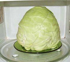 разместить головку капусты в микроволновке