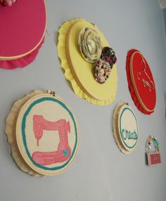 Gussy Sews: saturday craft: painted embroidery hoops - DIY