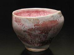 Kentaro Kawabata - Sake cup click the image or link for more info. Japanese Ceramics, Japanese Pottery, Ceramic Cups, Ceramic Pottery, Cup Art, Inside Design, Elegant Flowers, Pottery Making, Tea Bowls
