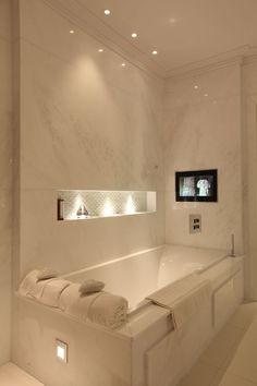 Bathroom Lighting De