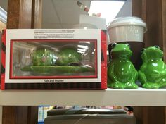 Peas in a pod or happy frogs! Fun salt and pepper shakers