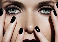 I'm loving the eye makeup and the black nails. Not normally a fan of dark polish but this is chic.
