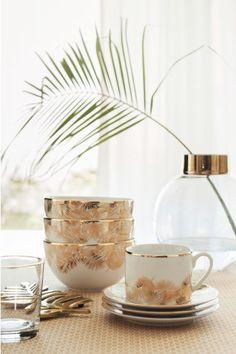 pinterest | lovedbylindsay @lovedbylindsay  Large glass vase - Clear glass/Gold - Home All | H&M CA